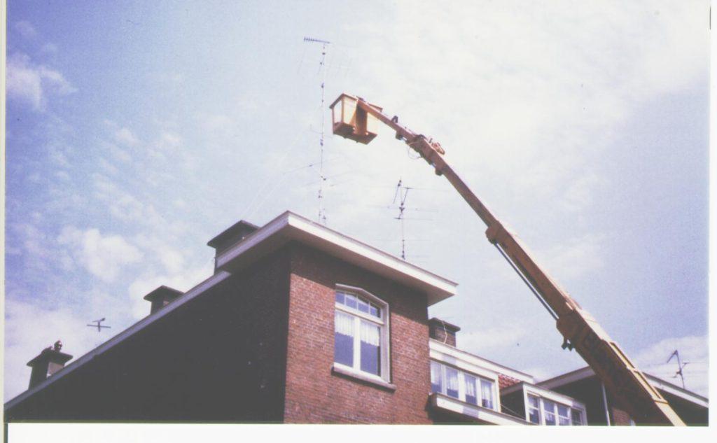 07. Pylonenmast van 15 meter op het dak