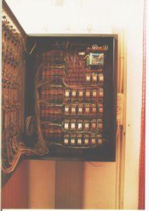 11. Kijkje in de kast van de alarmiunstall.